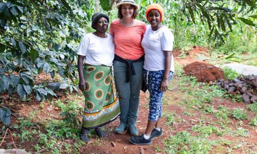 https://goetheanum.co/de/nachrichten/mehr-als-nuesse-living-farms-die-farmgemeinschaft-limbua-group-in-kenia