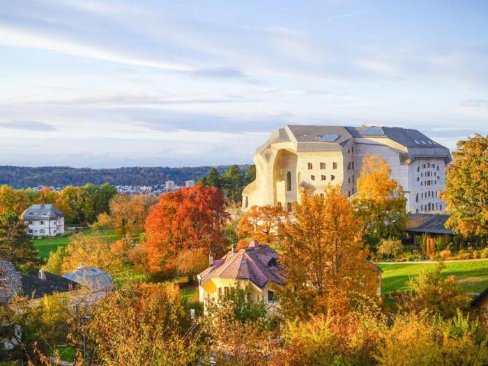 Campus-Fest: Das Goetheanum feiert neue Ausstellungsräume mit Fest im Gartenpark