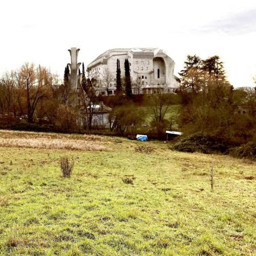 Zur Überbauung nahe dem Goetheanum-Park